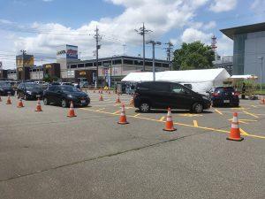 福井新聞社様の駐車場でドライブスルー形式のイベント設営を担当させていただきました。
